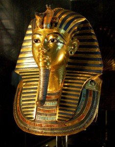 Was the the death mask of Tutankhamun originally made for Nefertiti?